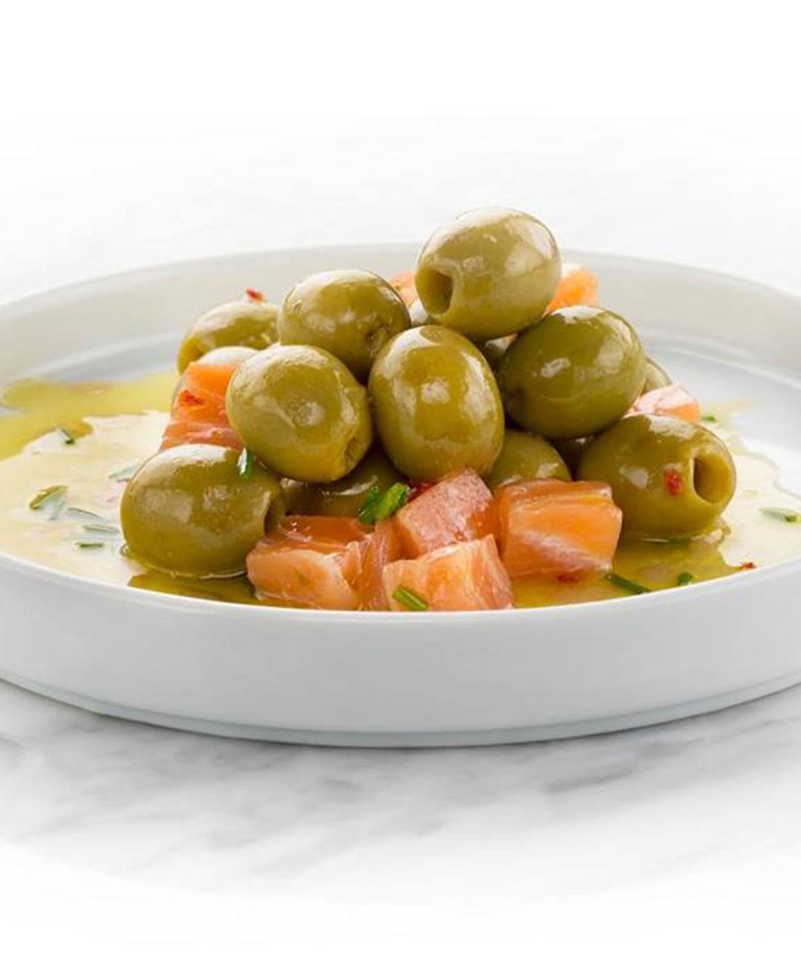 https://www.conservasantonio.com/es/recetas/aceitunas-con-salmon-ahumado/