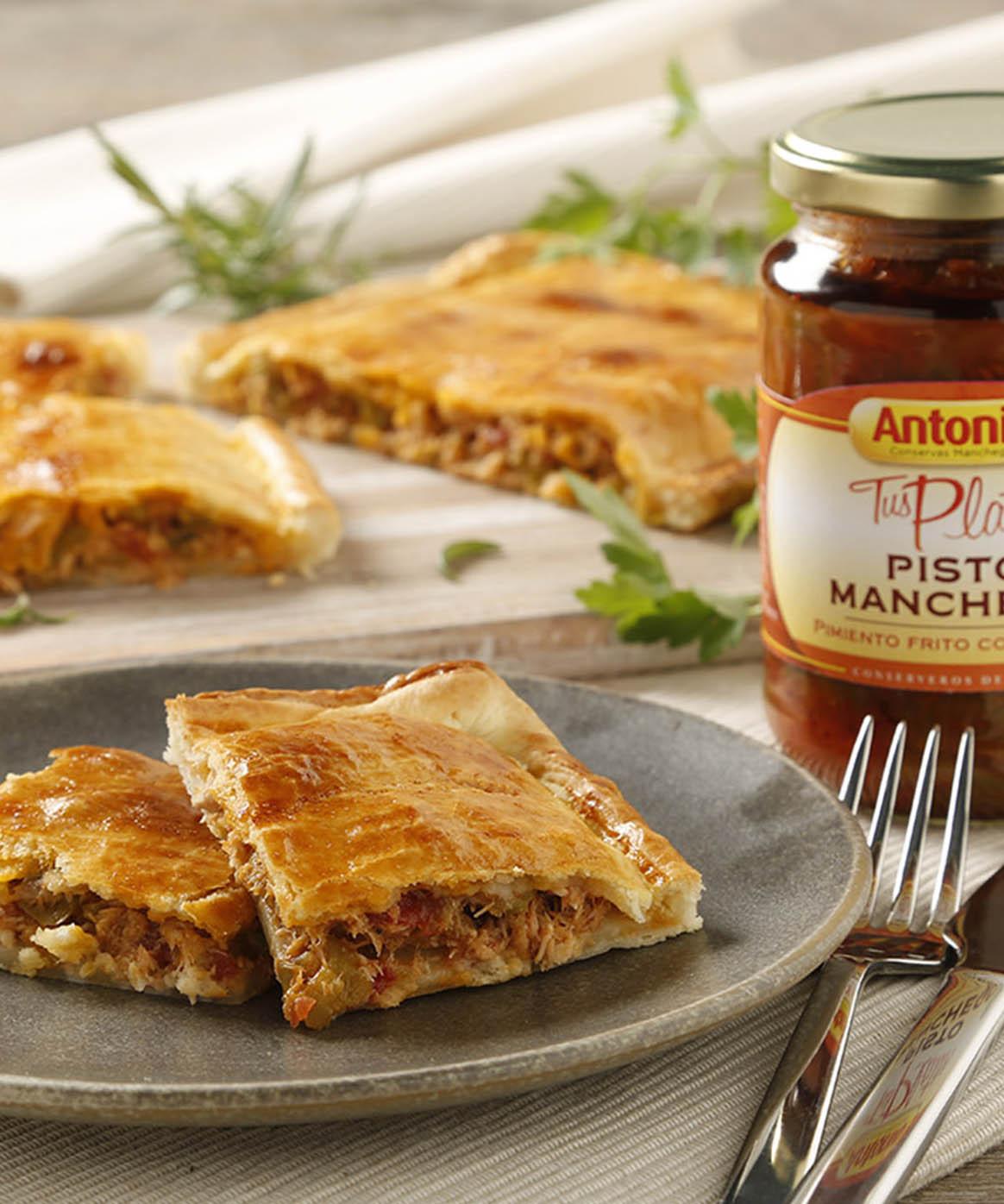 https://www.conservasantonio.com/es/recetas/empanada-de-pisto-manchego/